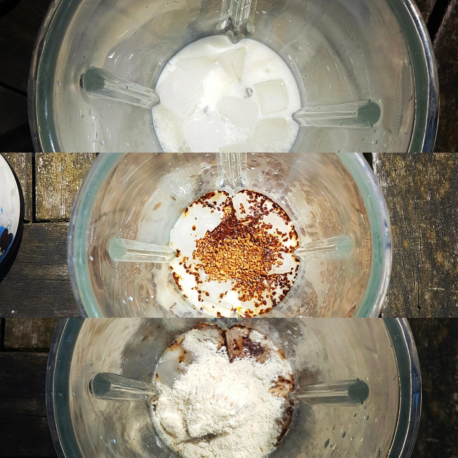 De blenderkan met de ingrediënten voor protein ijskoffie